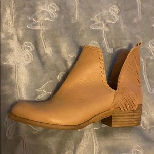 Tan Leather Musse & Cloud Leather Booties NWOT